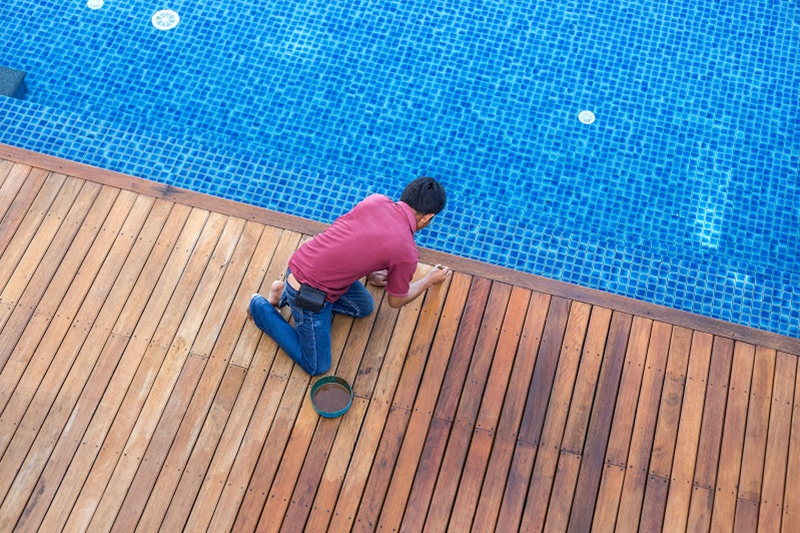 benefits of hiring a professional swimming pool builder
